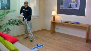 Paso 3 - limpieza del suelo laminado