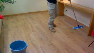 Paso 7 - Limpieza del suelo laminado