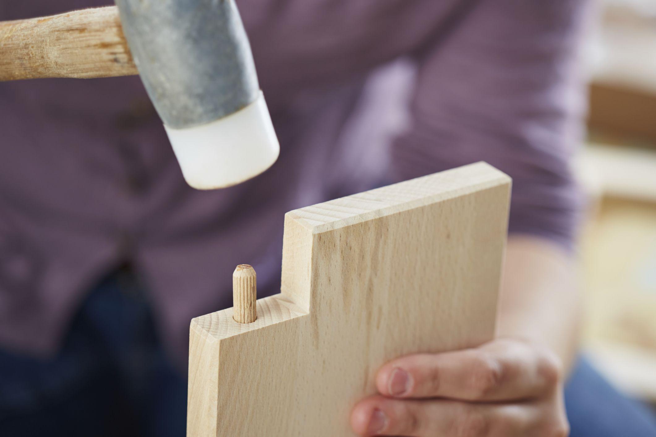 Cómo ensamblar maderas con tubillones