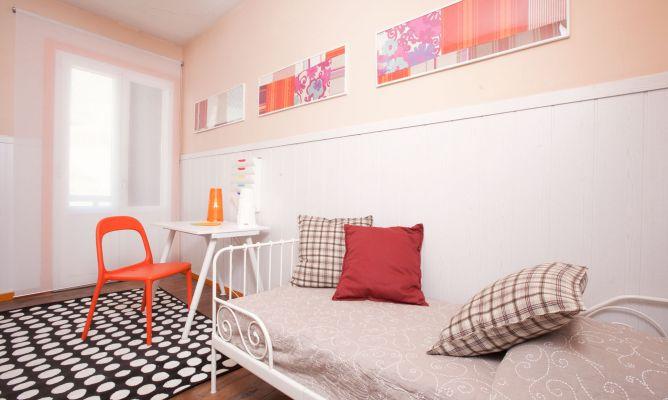 Decorar habitaci n juvenil y alegre decogarden - Decorar con friso ...