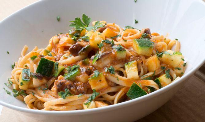 Receta de Tallarines con verduras y sardina vieja - Karlos Arguiñano