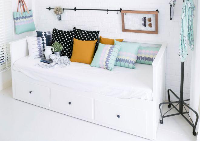 Convertir una cama en sof hogarmania - Fotos de cojines decorativos ...
