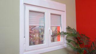 Colocar ventana con persiana
