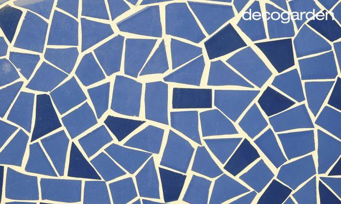 C mo hacer un mosaico de azulejos decogarden for Como poner baldosas en pared
