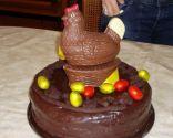 Pastel de mona de Pascua de chocolate