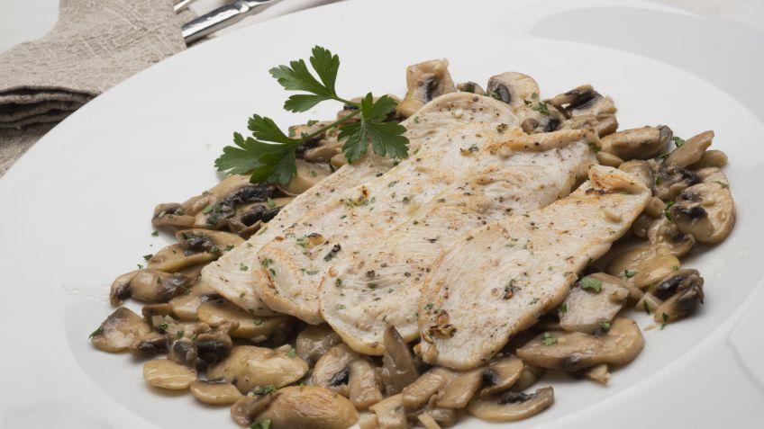 Cocinar Champiñones Al Ajillo | Receta De Pollo A La Plancha Con Champinones Al Ajillo Karlos
