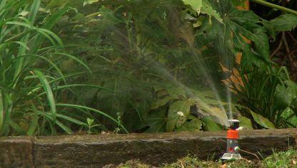Instalaci n del cortac sped autom tico bricoman a for Instalacion riego automatico jardin