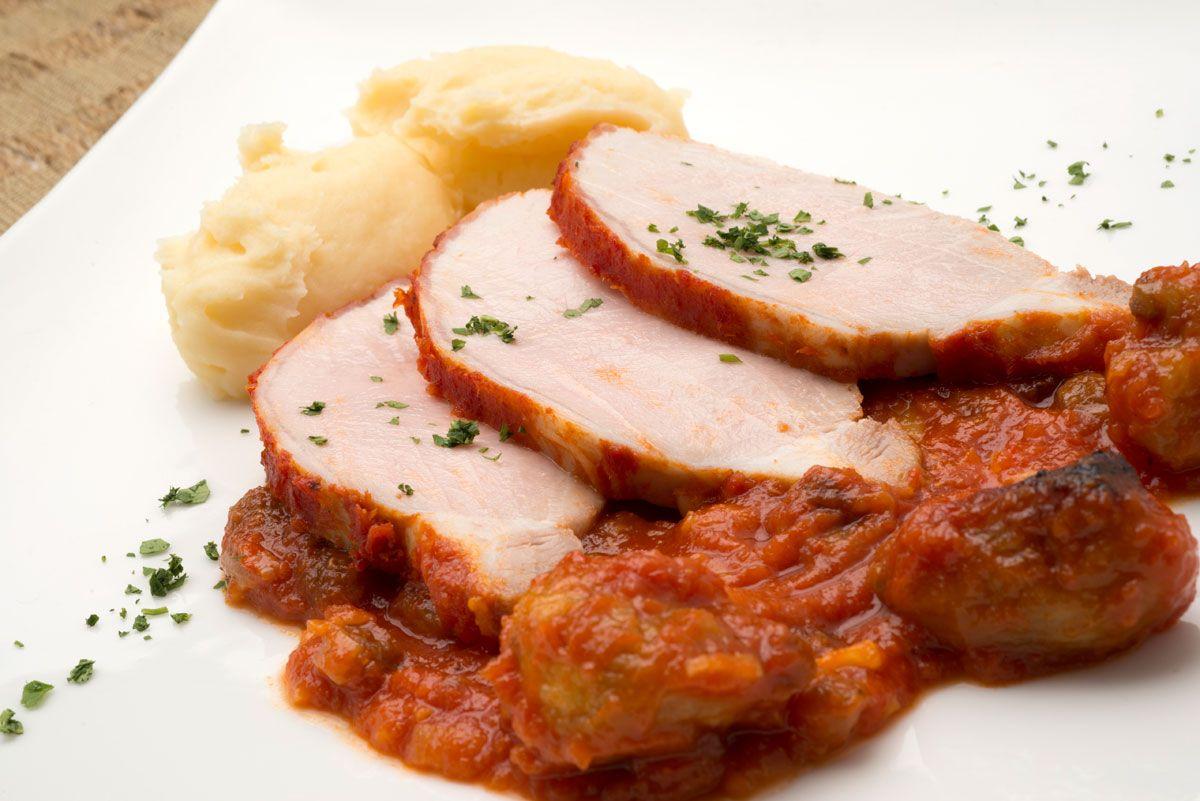 Lomo de cerdo al horno con puré de patatas