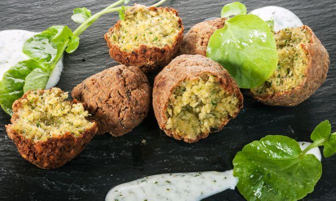Receta de Falafel de pistachos con salsa de yogur - Bruno Oteiza