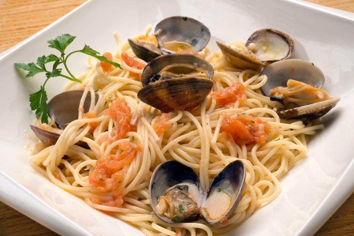 Receta de espaguetis con almejas de Karlos Arguiñano