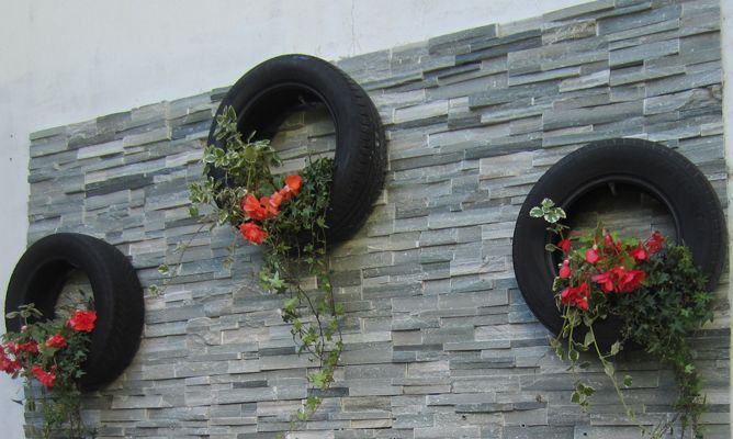 Pared con neum ticos bricoman a for Bricomania jardin