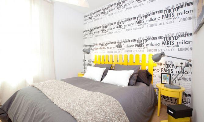 Dormitorio con papel pintado alegre y juvenil decogarden - Papel pintado dormitorio moderno ...