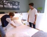 Dormitorio de pareja fresco y elegante