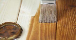 C mo pintar un mueble de madera hogarmania for Como barnizar madera