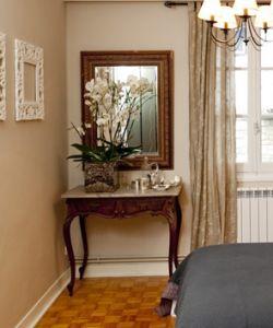 Composición con orquídeas blancas para el dormitorio