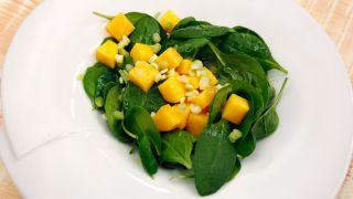 receta de ensalada de espinacas y melocotón