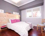 Dormitorio moderno y funcional en color gris
