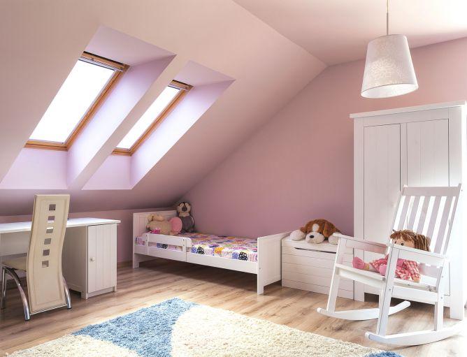 iluminación natural y artificial en habitación infantil