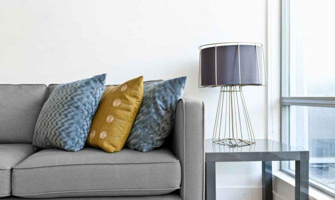 Sofa De Color Gris Para El Salon Hogarmania
