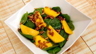 receta de ensalada de espinacas y mango