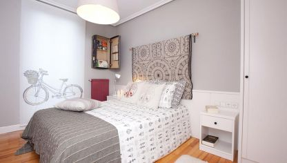 Dormitorio sofisticado en malva y gris decogarden for Habitaciones pintadas en gris perla