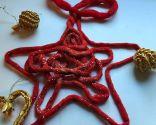 Estrellas de Navidad hechas con lana encolada