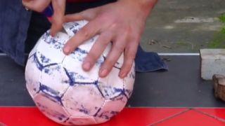 Reutilizar balones como maceteros - Paso 1