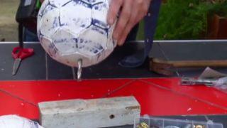 Reutilizar balones como maceteros - Paso 2
