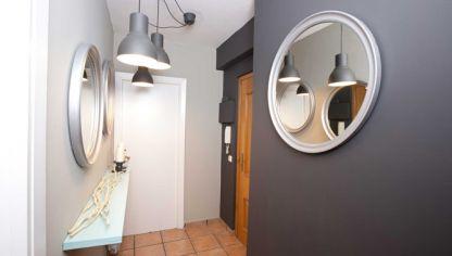 Elementos que no pueden faltar en un recibidor hogarmania - Como decorar un recibidor pequeno ...