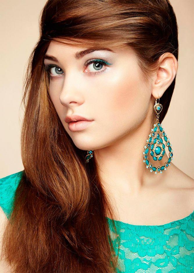 combinar pendientes y maquillaje - look 4