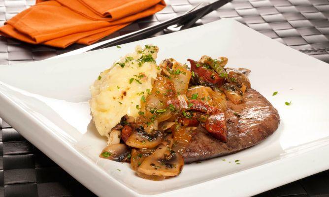 Receta de h gado con chorizo y champi ones bruno oteiza for Cocinar higado