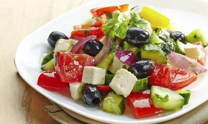 Receta de Ensalada griega típica - Hogarmania