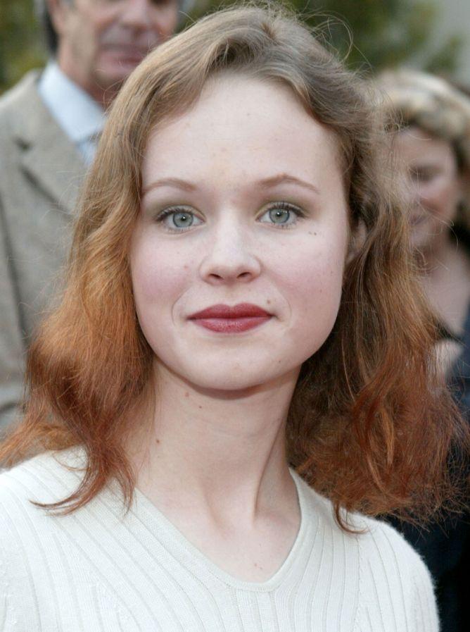look Thora Birch - look 1