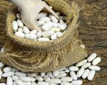 Alubias blancas con buñuelos, para personas con colesterol o estreñimiento