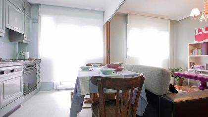 Cocina luminosa con comedor y de aire r stica decogarden for Cocinas y salones abiertos