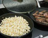 Paso 4: Cocinar las chuletillas y freír las palomitas