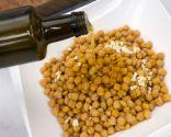 Paso 2: Macerarlos con el ajo y el curry