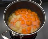 Paso 1: Cocer la patata y la calabaza