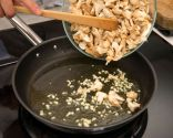 Huevos, patatas y setas de primavera - Paso 3