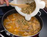 Paso 4: Añadir la picada y cocinar 3-4 minutos