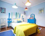 Dormitorio fresco y colorido