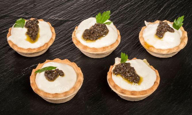 Receta de tartaletas de brandada de bacalao con olivada - Aperitivos con bacalao ...