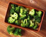 Brócoli con tomate, plato rico en antioxidantes y fibra