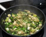 Paso 2: Saltear las verduras