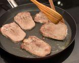 Paso 4: Cocinar la lengua a la plancha y servir