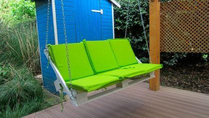 Construir bancos con pal s reciclados bricoman a - Mecedoras para jardin ...