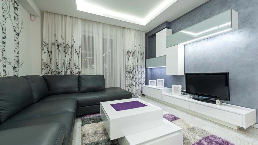 Nice Salón Amplio De Color Gris, Blanco Y Lila