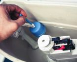 Arreglar fuga en la cisterna