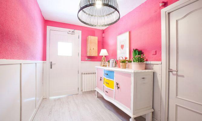 Decorar un recibidor rosa y luminoso decogarden - Decorar un recibidor ...