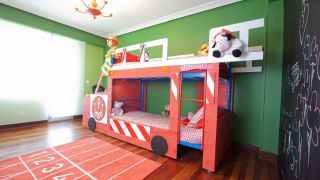 Decorar habitación infantil de bomberos
